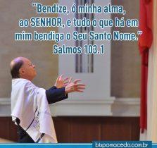 Bispo Edir Macedo clamando