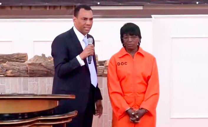 Liberta da religião e da prisão